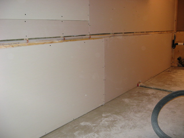 Radiant walls healthy heating for Radiant heat wall units